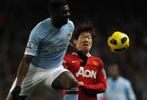 Kolo Toure (stanga), fundas Manchester City