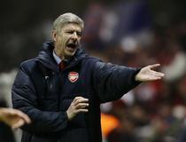 Arsene Wenger, nemultumit de sitemul cu 5 arbitri