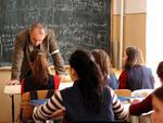 Un profesor preda intre 16 si 18 ore/saptamana
