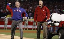 George Bush alaturi de tatal sau
