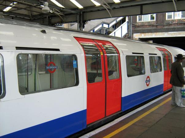 Londra ,metroul-Harlesden st.
