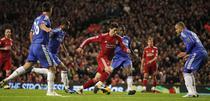 Torres ingenuncheaza liderul Chelsea