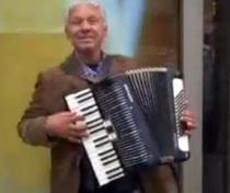 Alexandru Penica, acordeonist in UK