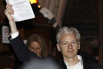 Julian Assange eliberat