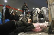 Pasageri dormind in aeroportul din Moscova