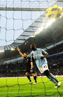 Balotelli, tripla pentru Manchester City