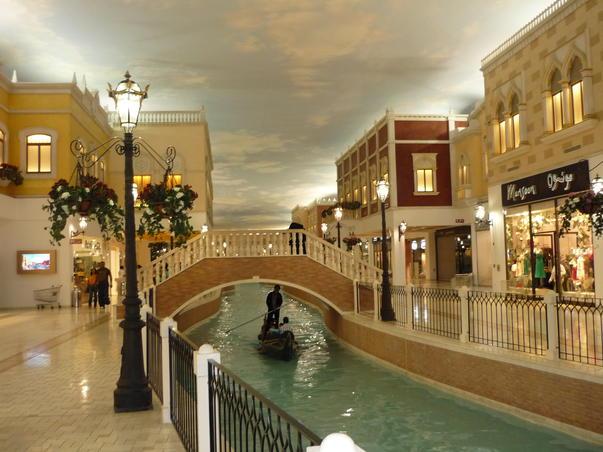 Gondolier în Orient (Nu e Veneţia 2)