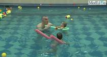 Inotul este benefic la orice varsta, dar atentie la apa din piscine