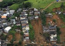 Cartier distrus de inundatii in Brazilia