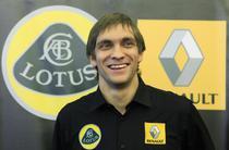 """Vitaly Petrov, pilotul """"Lotus Renault GP"""""""
