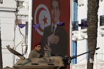 Armata incearca sa restabileasca ordinea in Tunisia, dupa inlaturarea presedintelui Ben Ali