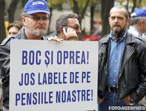 Pensionarii militari protesteaza impotriva recalcularii pensiilor