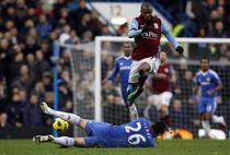 "Aston Villa ""fura"" un punct pe Stamford Bridge"