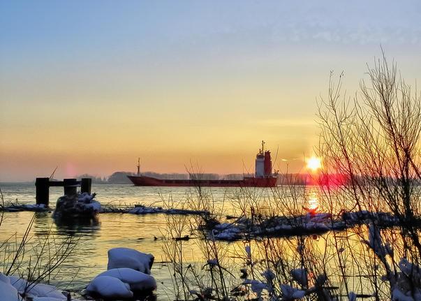 Pe malul Dunarii