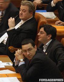 Victor Ponta si-a intors fata catre Vadim Tudor