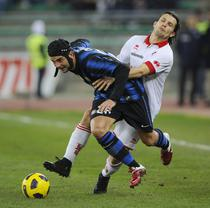 "Chivu, intr-un duel cu Rudolf, mai ""pasnic"" decat pumnul aplicat lui Rossi"