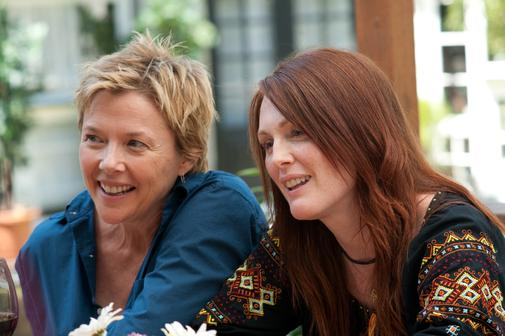 Annette Bening si Julianne Moore