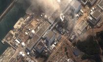 Cele patru reactoare la centralei Fukushima 1. In imagine se vad clar daunele provocate de explozii