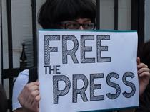 FOTOGALERIE Protest in fata ambasadei Ungariei la Bucuresti