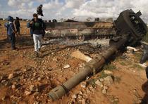 Un tanc al armatei libiene, distrus de raidurile aliate