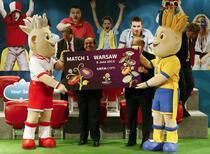 Platini, alaturi de mascotele EURO 2012