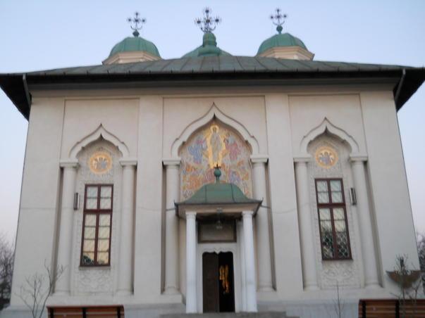 Cu bicicleta la Manastirea Cernica