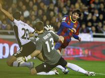 Lionel Messi invinge pe Valencia