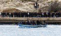 Imigranti pe insula Lampedusa