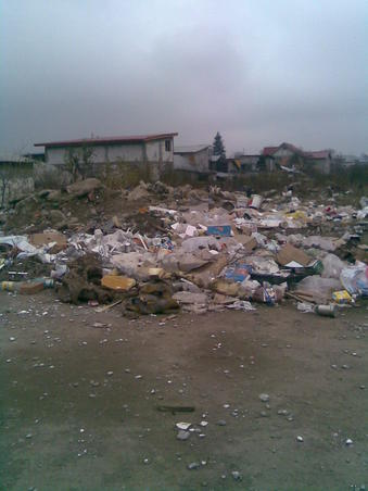gropi de gunoaie in oras