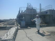 Un angajat TEPCO la reactorul 2