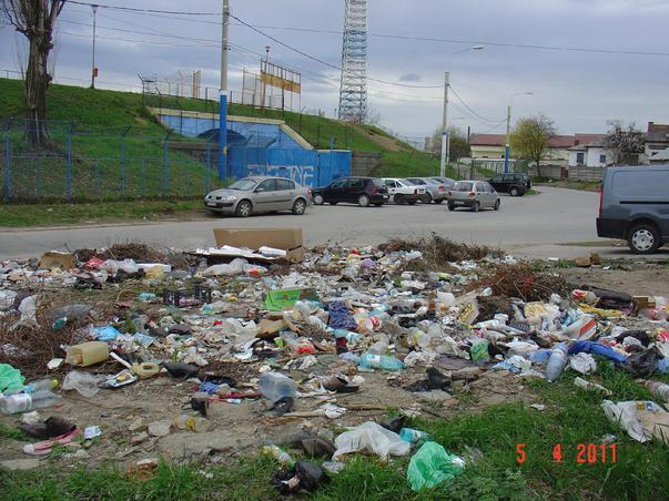 Groapa de gunoi din centrul Craiovei - Oare o fi ecologica si nu ne dam seama ? (3)