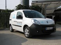 Statul de cel mult 3.700 euro cumparatorilor de masini electrice