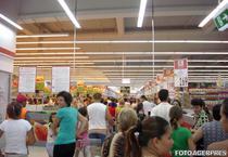 Cumparaturi in hipermarket