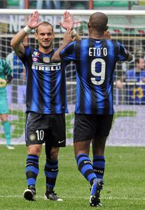 Sneijder si Eto'o aduc victoria Interului