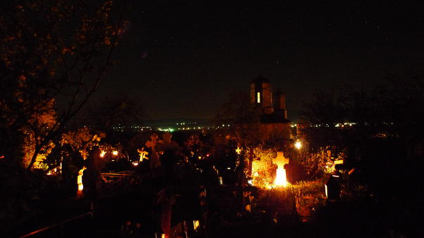 Cimitir in noaptea de Inviere
