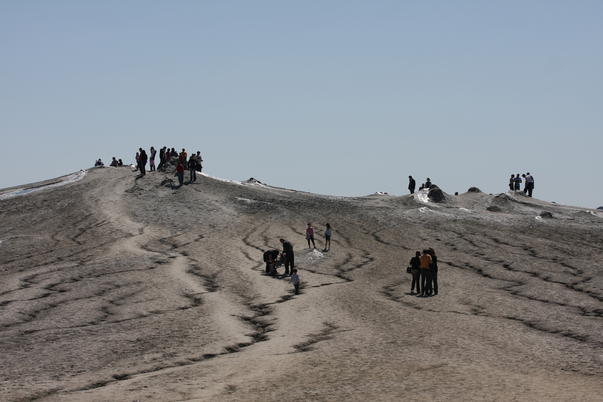 Vulcanii noroiosi (3)
