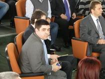 Vlad Enachescu (centru), la licitatia pentru drepturile tv