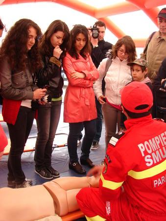 Demonstratii in caz de cutremur (3)