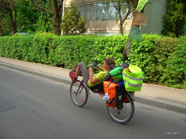 Cu bicicleta prin lime