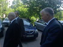 Yorgos Ioannidis (Romtelecom), Stefanos Theocharopoulos (Cosmote Romania) si Michael Tsamaz (seful OTE), dupa intalnirea de la sediul MCSI