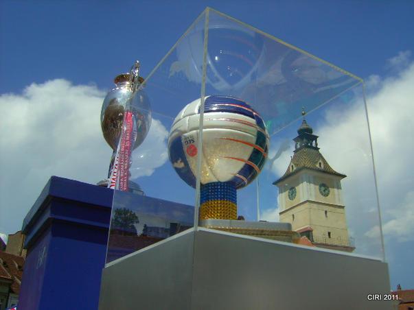 Trofeul,mingea si...Casa Sfatului (2)