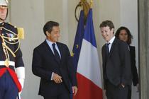 Nicolas Sarkozy si mark Zuckerberg