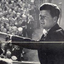 JF Kennedy cu un ceas Omega la mana