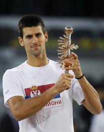 Djokovic, cu trofeul de la Madrid