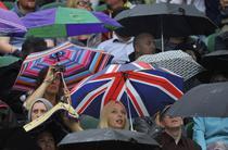 Ploaia a stricat bucuria debutului: jocurile de luni au fost suspendate