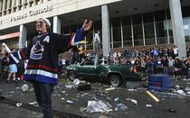 Suporterii au facut ravagii in Vancouver