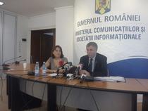 Valerian Vreme, ministrul MCSI si Adina Moga, director general OIPSI