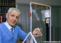 Jack Kevorkian si masinaria sa de suicid, in 1991