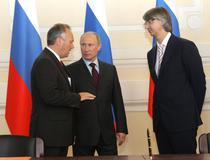 Putin, discutand cu seful Ford Europa