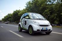 smart fortwo electric pe strazile din Bucuresti